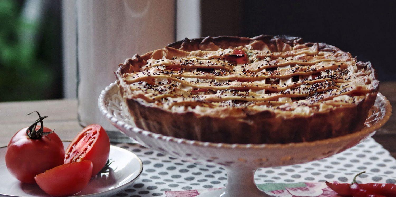 Creamy tomato pie