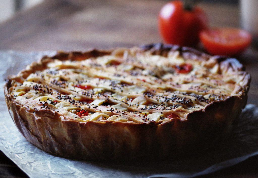 Creamy vegan tomato pie